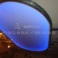 Натяжной потолок с подсветкой в Омске